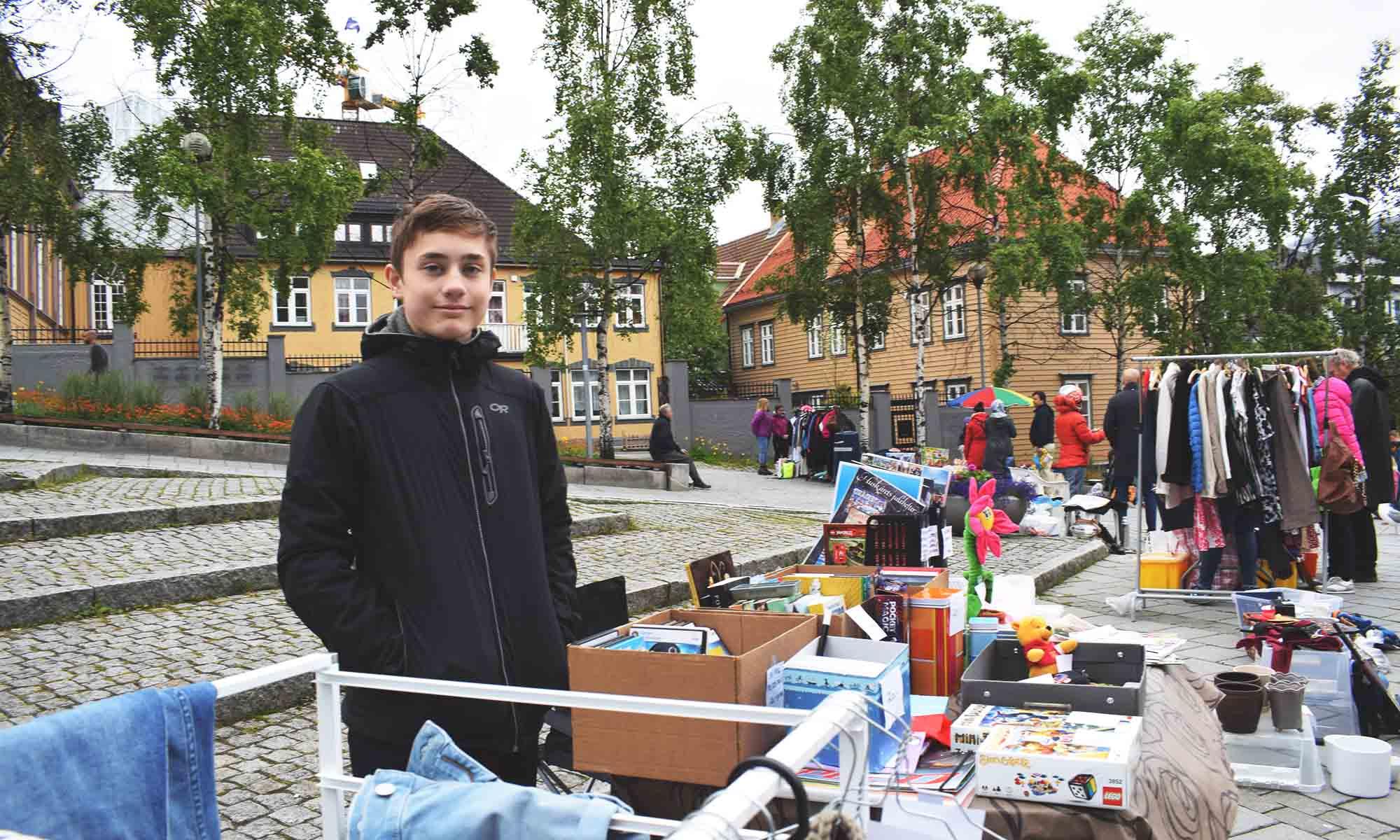 Andreas Nordmo fra Kvaløya har etablert seg med egen bod på Bruktmarkedet i Tromsø i juli 2019.