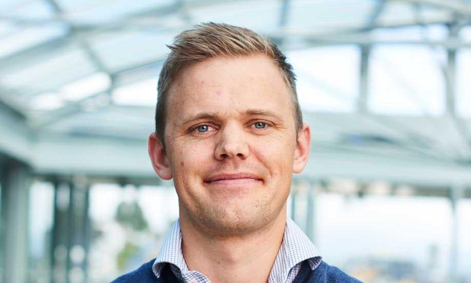 Den nye sjefen for klima, miljø og landbruk i Tromsø kommune, Lars Ferdinand Øvergaard, tar ofte i bruk superlativer når han snakker om Remiks. Han lover at det kun er et spørsmål om tid før alle kommunale enheter kildesorterer sitt avfall.
